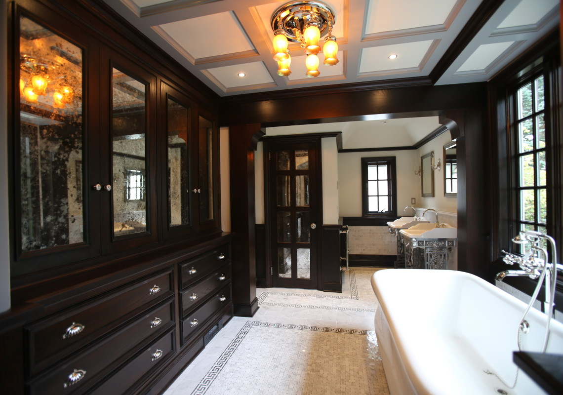 Henry The Viii Inspired Bathroom